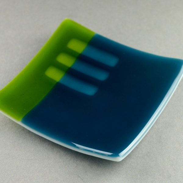 Transparency Tricks – Fused glass dish with clear glass dilution